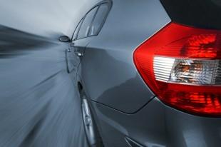 BMW mit warnendem Ausblick